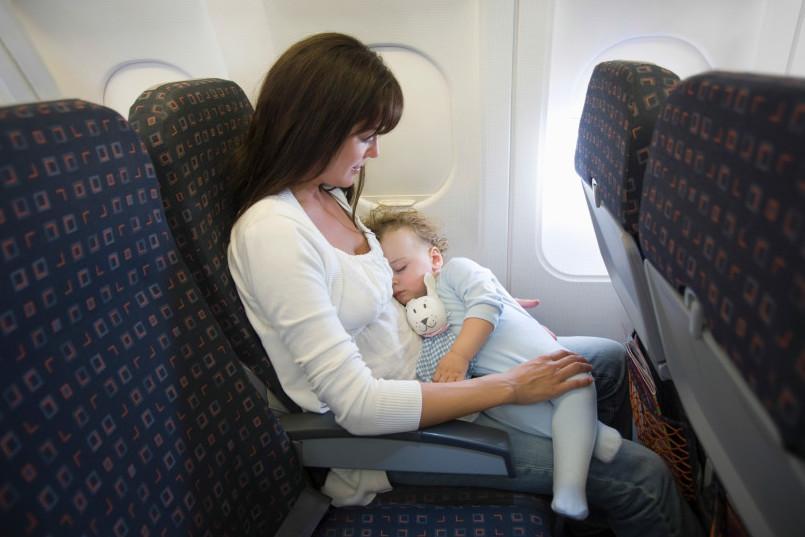 Consejos para viajar con bebés en avión
