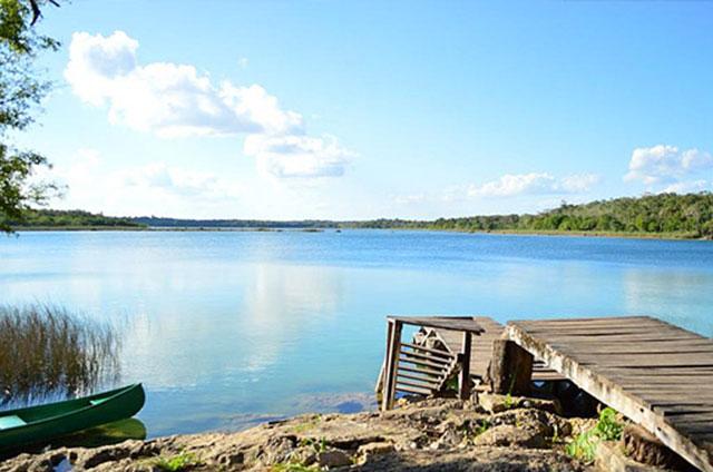 Vista de una laguna de Quintana Roo