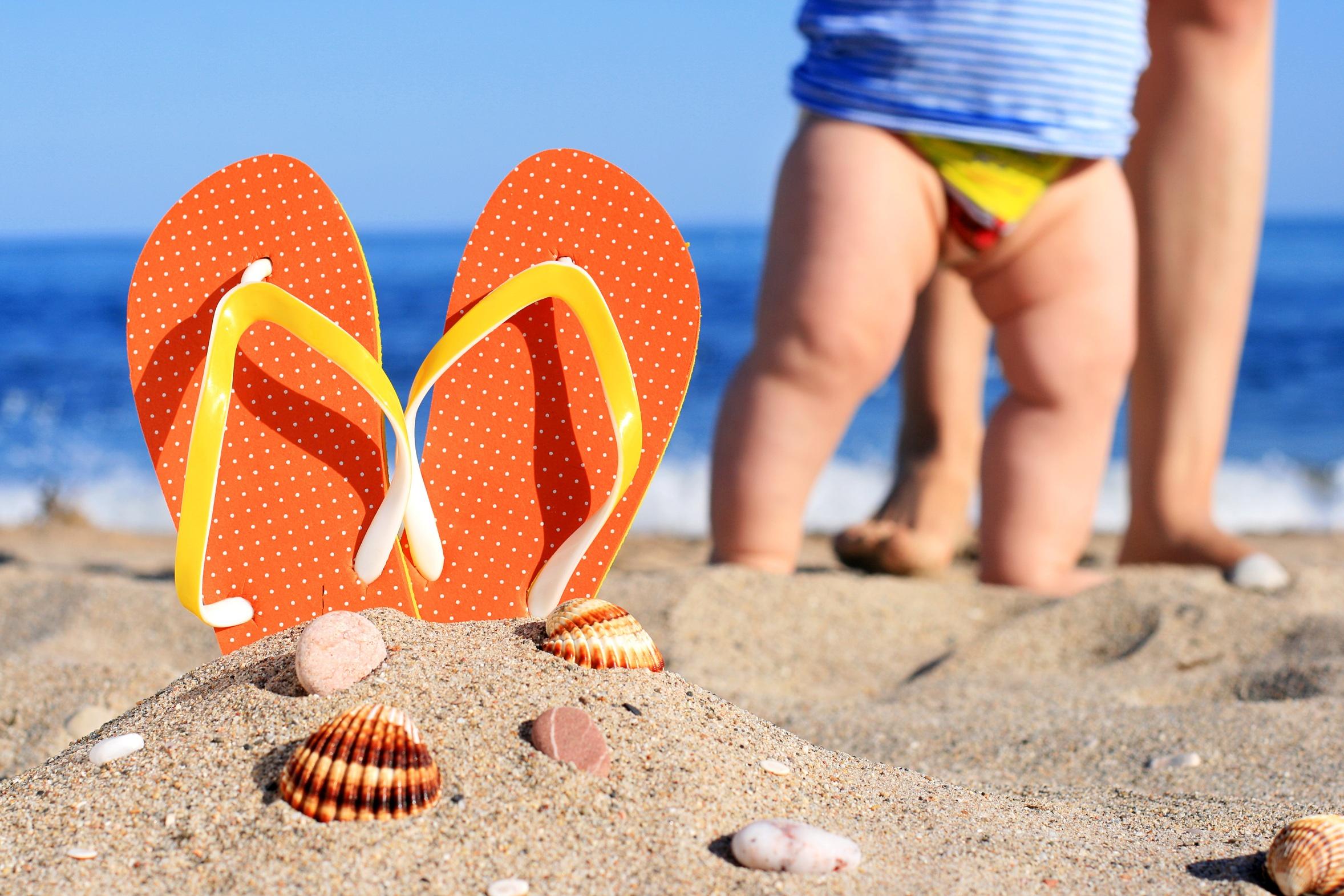 Tips para estar con un bebé en la playa