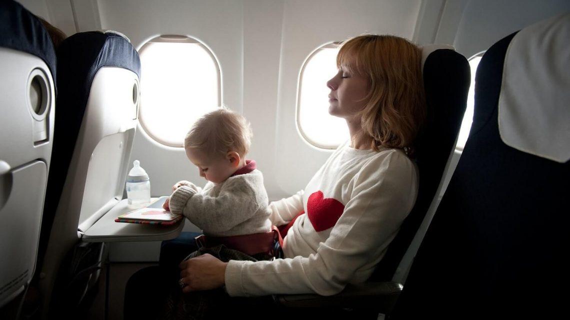 Cuida la nutrición de un bebé al viajar