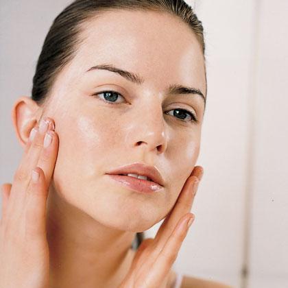 Trucos fáciles para eliminar la piel grasa
