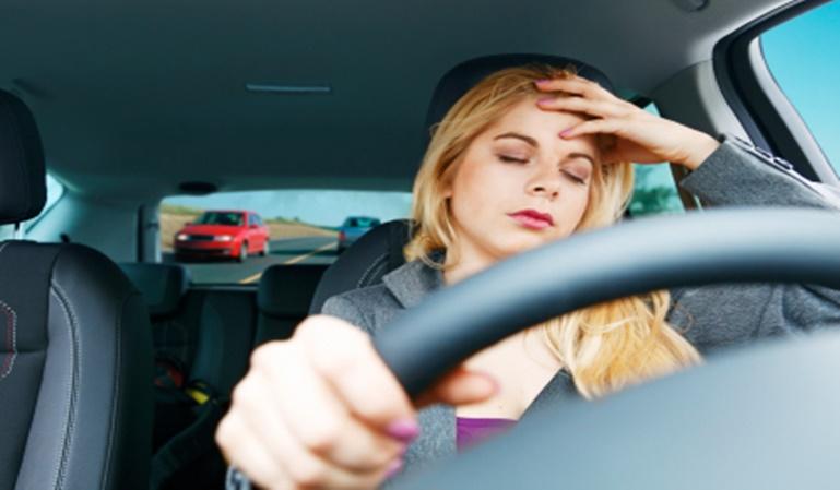 ¿Te duele la cabeza al volante?